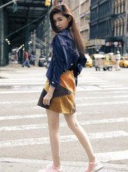 林允美国街拍首曝光 清凉时尚LOOK秀美腿